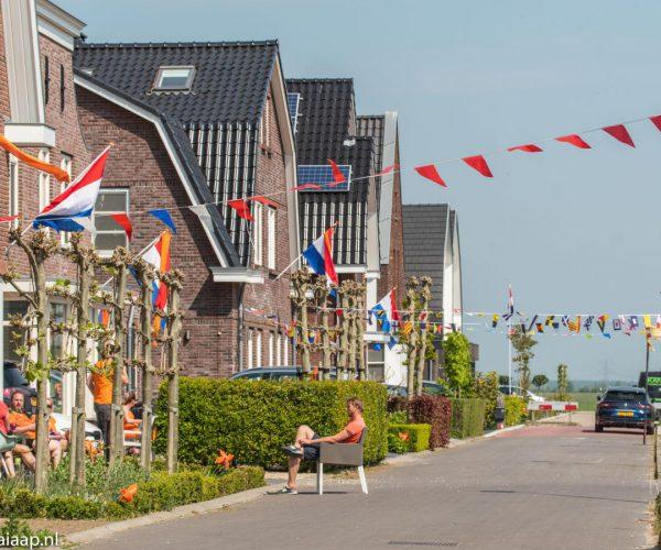 Koningsdag-Kamerik-met-vlaggen-wimpels-en-molentjes-2020-38